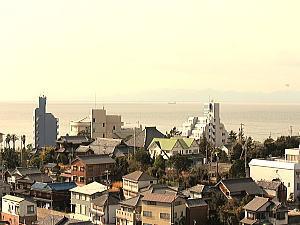 高宮神社から伊勢湾を眺めてます