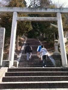 高宮神社へ