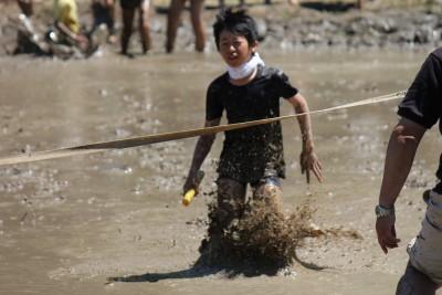 利屋郷での泥んこ遊び http://uminomae.net/